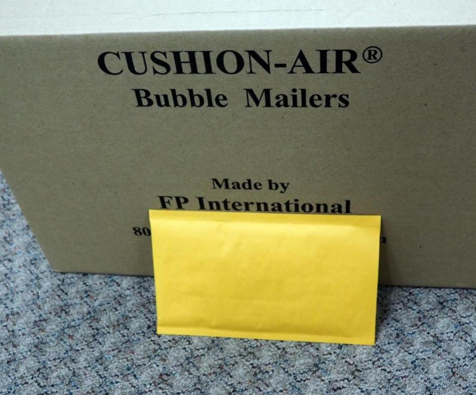 Cushion Air Bubble Mailers Envelopes 6 X 10 Approx Qty 2 Partial