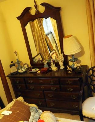 "Kincaid Solid Wood 7 Drawer, 32"" x 61"" x 18"" Dresser With Mirror 52"" x 34, Contents Not Included, Matches Lots 90 & 93"