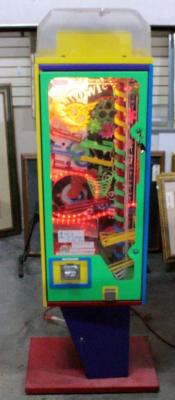 Zowie Wowie Interactive Bubblegum Machine, 25 Cents A Play, Beaver Crank, Has Keys, Powers On