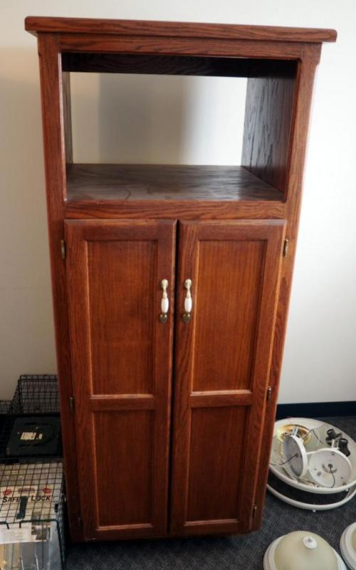 Solid Wood Kitchen Cabinet Pantry With 2 Shelves 66 X 28 X 25 5
