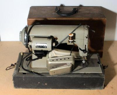 Kenmore Series 58 Portable Sewing Machine With Case, Powers On, Unknown Working Order