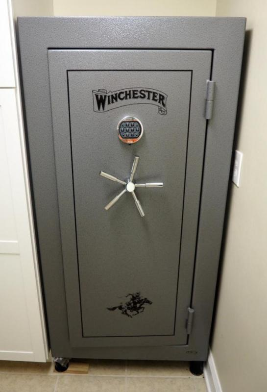 Winchester Fire Resistant Safe (1400F For 30 Min), Model #TS-22