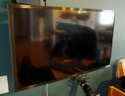 "Samsung 32"" Smart Television, Model #UN32J5205AF Includes Remote, Does Not Include Wall Or Table Mount"