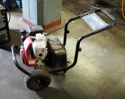 Devilbiss Gas Powered Pressure Washer With Honda XR2500 Motor, Unknown Working Condition, No Spray Wand