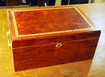 "Cigar Humidor With Hygrometer And Leather Cigar Cases Qty 4, 6.5"" X 13.5"" X 9.5"",  No Key"
