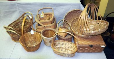 Split Wood And Rattan Baskets, Handled Trays, Nesting Boxes And More, Qty 19, (O2)