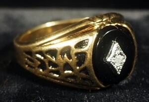 10K Gold Ring, Size 12-1/4, With Center Stone, Weighs 8.5 Grams