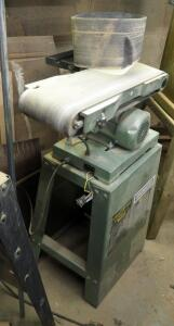 "Central Machinery 6"" Belt And 9"" Disc Sander, Model 06852, 1 HP, Table Tilt 0-50 Degrees"