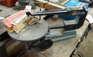 "Delta 16"" Scroll Saw, Model 40-530, With Additional Blades"