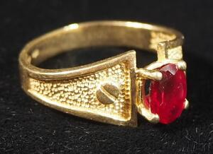 14kp Gold Ring With Red Stone, Size 7-1/4, 3.3g Weight Including Stone