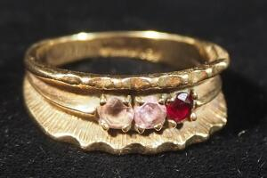 10k Gold Ring With Red And Pink Stones, Size 6-1/2, 4.36g Including Stones