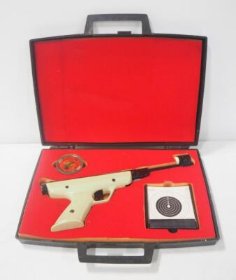 Manu Arms .177 Cal Air Pistol With Foam Fitted Case, Targets And Pellets