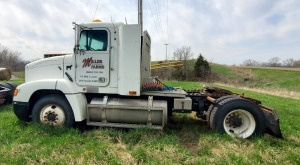 1997 Freightliner FLD112 Truck, VIN # 1FUW3MCA9VP812787, Miles Showing 392,329, SEE VIDEO