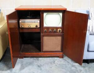 1949 Admiral Brand Mahogany Wood Console Model 4H166C With TV/AM/FM/Phono Combo, Needs Repair