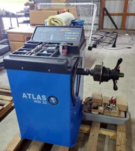 Atlas WD 30 Tire Balancer Model # EE 3096, 110 V, Includes Wheel Weights