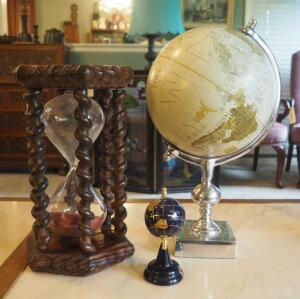 "12"" Hour Glass With Carved Wood Spindles Including 14"" And 5"" Globes"