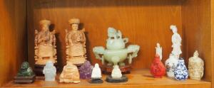 Chinese Carved Jade Jadeite Foo Dog Tripod Covered Incense Bowl With Lid, Carved Stone Buddhas, Figurines And Bottles With Stoppers