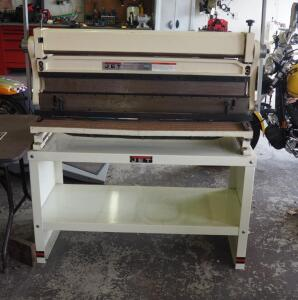 "JET Combination Shear, Break, And Roll, Model SBR-40N, 20 Gauge Capacity, Up To 40"", Includes Storage Stand, 63"" x 60"" x 32"", Bidder Responsible..."