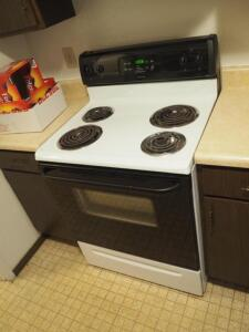 "Tappan Electric 4 Burner Stove/Oven, Model TEF351EWD, 46.5"" x 30"" x 28"",Bidder Responsible For Proper Removal"
