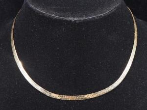 "Gold Necklace Marked 14k Italy, 16"" Long, 8.97 g Total Weight"