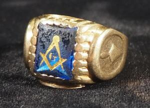 Gold Ring With Masonic Emblem, Marked 10k W-H, Size 9-3/4, 9.05 g Total Weight