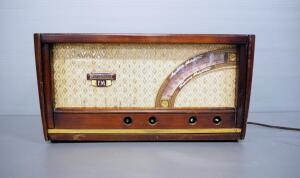 Vintage Westinghouse AM/FM Radio Model H-161, Missing Knobs, Cord Needs Some Repair, Powers On