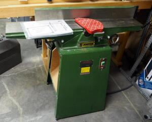"Central Machinery 6"" Deluxe Hand Jointer Model 599, Powers On"