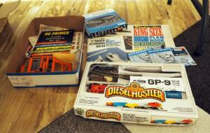 Bachmann HO Electric Train Set, Atlas 47 Piece HO Gauge Pier Set, Plan Books, And How-To Books