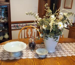 "12.5"" Ceramic Vase And Matching Pedestal Bowls (12"" And 7""), Birds Nest Decor Included"