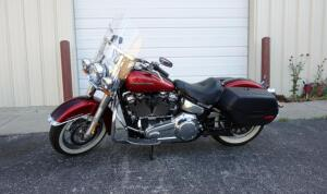 2018 Harley-Davidson FLDE Deluxe Motorcycle, V2, 1745cc, 3619 Miles, VIN # 1HD1YCJ19JC045927, SEE VIDEO