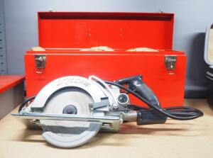 "Skilsaw 7-1/4"" Worm Drive Saw Model 77, Powers On, With Manual, In Case"