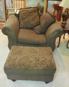 "Eva Furniture Over-sized Upholstered Arm Chair (30"" x 50"" x 38"") With Matching Ottoman And Throw Pillows"