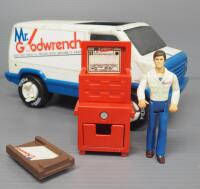 Tonka Mr. Goodwrench Service Van, Includes Figure, Tool Chest And Creeper