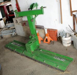 6' John Deere Frontier Rear Blade, Model RB2072, Bidder Responsible For Proper Removal