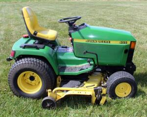 John Deere Liquid Cooled Diesel HD Riding Lawn Tractor Model 455, With 60' Mower Deck, Hours Showing 1378.5, Appears To Have Slow Hydraulic Leak, SEE VIDEO