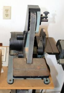 "Delta 1"" Belt/8"" Disc Sander Catalog # 31-340, 19.5"" x 16"" x 26"", Mounted To Workbench, Bidder Responsible For Proper Removal"