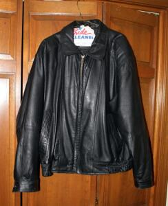 Member's Only Men's Leather Jacket, Size Large