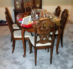 "Scalloped Edge Dining Room Table With 6 Matching Chairs, Table Measures 29"" x 36"" x 69"", Includes 12"" Leaves Qty 2 And Table Pads"