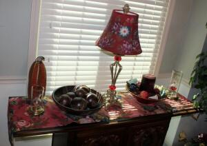 "29"" Buffet Lamp With Floral Shade, Decorative Bowls, Candle, Oil Lamps, And More, Contents Of Table Top"