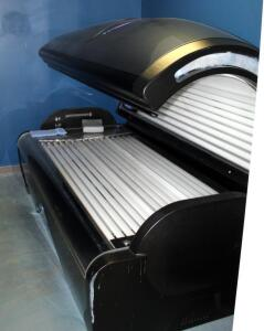 "Tan America By Heartland Model 5400 Level 5 Tanning Bed With 54 Bulbs And Radio, Powers On, Bulbs Replaced In March 2020, 49"" x 87"" x 45"", Bidder Responsible For Proper Removal"