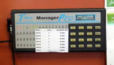 T-Max Manager Pro Tanning Bed Control System With 4 Digital Timers And Control Pad, Plugged In And Working, Bidder Responsible For Proper Removal
