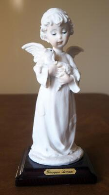 "Giuseppe Armani ""Little Angel With Lamb"" Cold Cast Porcelain Figurine # 0622-F, 7.5"" x 3.5"", In Box"