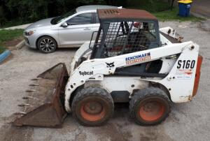 Bobcat Skid Steer Loader Model S160, With 6' Bucket Attachment, Hours Showing On Meter 2854.4, Seller Will Continue Using Bobcat Till close Of Auction