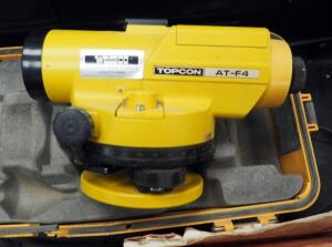Topcon Transit Level Model AT-F4 Includes Carrying Case And Instruction Manual And CST/Berger Adjustable Tripod
