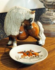 Norman Thelwell Ceramic Pony Figurine And Hand Painted Kentucky Horse Park Souvenir Plate