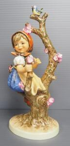 "M I Hummel ""Apple Tree Girl"" Figurine No. 141, 10.25"" High, 1968 Engraving Year, Last Bee Mark"