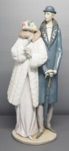 "Lladro ""On The Town"" Porcelain Figurine No. 1452, Sculptor Jose Puche, 14.75"" High"