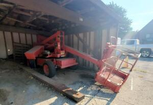 Snorkelift UNO-33E Articulating Boom Lift, 500 Lb Capacity, Platform Height 32', Needs Batteries And Brake Repair, LOCATED IN KANSAS CITY, KS, PREVIEW BY APPT 9/8, Unknown Working Order