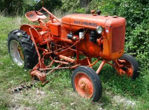 Allis Chalmers Model B Tractor, Non-Running, LOCATED IN INDEPENDENCE, PREVIEW BY APPT 9/8
