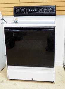 Amana First Edition Electric Self Cleaning Stove/Oven, Untested